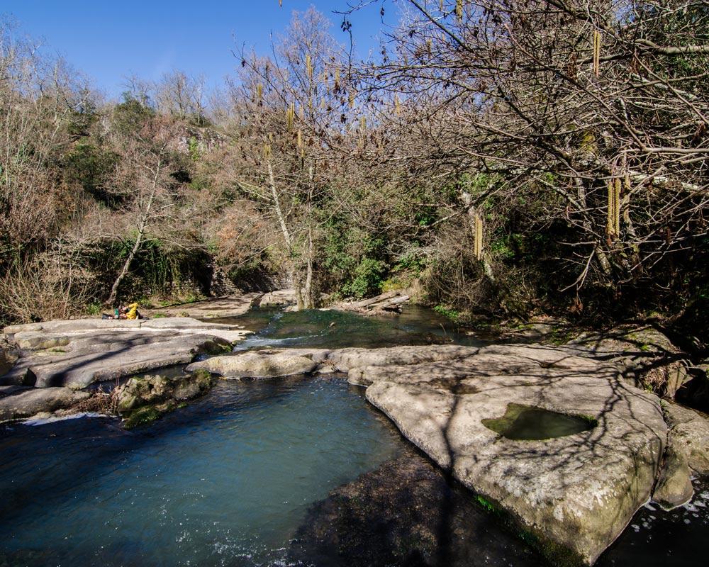 Vista del Fosso del Rio nei boschi di Bomarzo