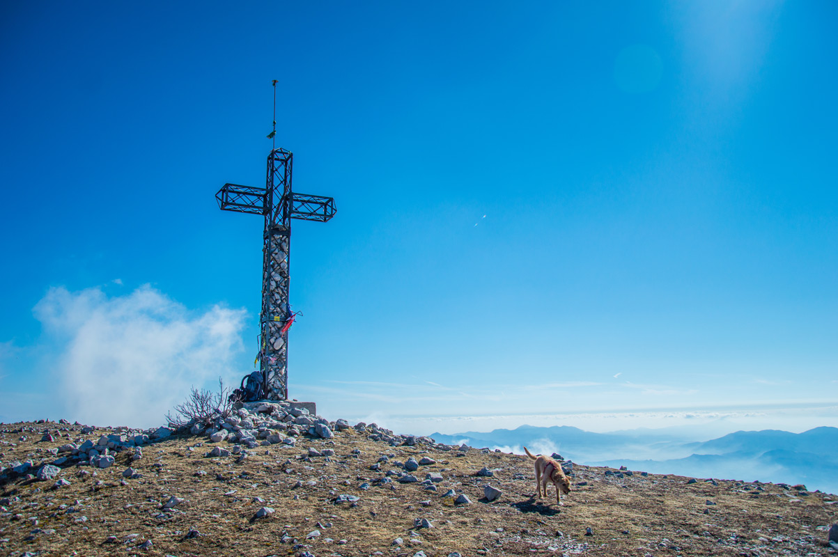 Croce di vetta Monte Cairo