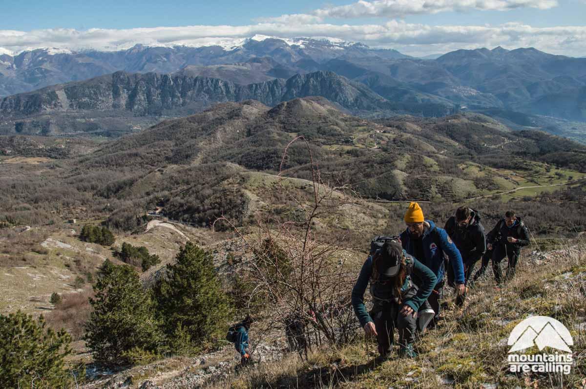 escursionisti durante un trekking