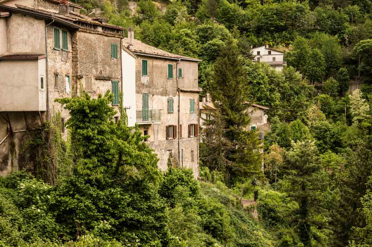 Immagine di un borgo montano