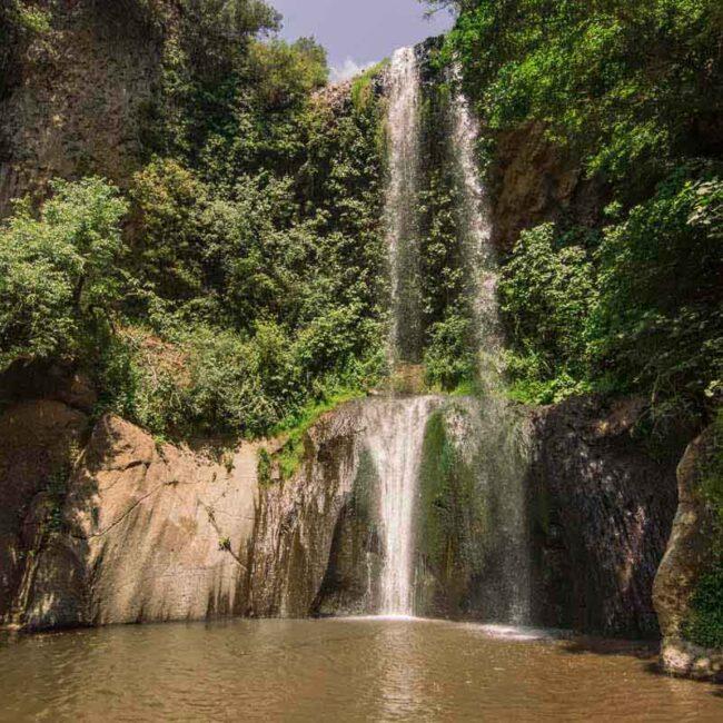 fotografia della cascata di san giuliano