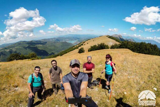 foto di gruppo Mountains Are Calling sulla cresta del Monte Cervia