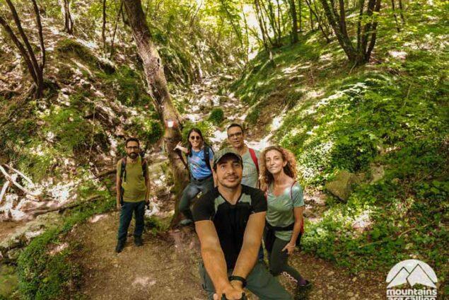 Foto di gruppo Mountains Are Calling alle Cascate di Rioscuro