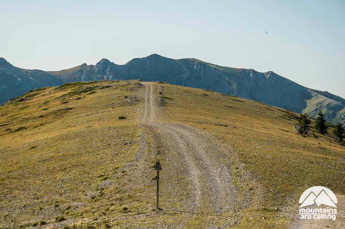 Un sentiero escursionistico che procede in direzione del Monte Viglio