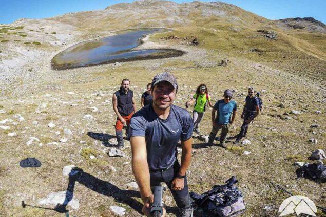 Foto di gruppo escursionisti al lago della duchessa